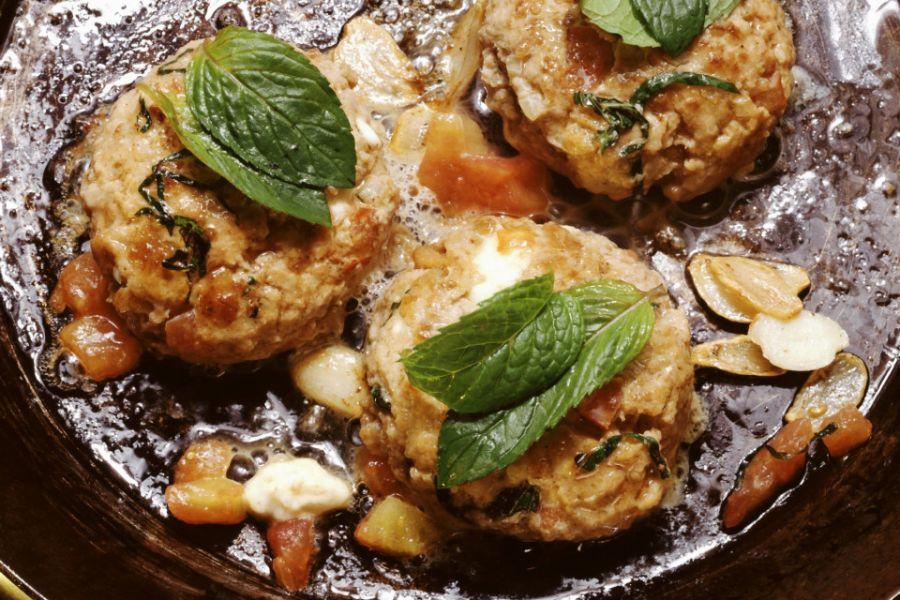 Tomaten-Minze-Frikadellen mit Reis