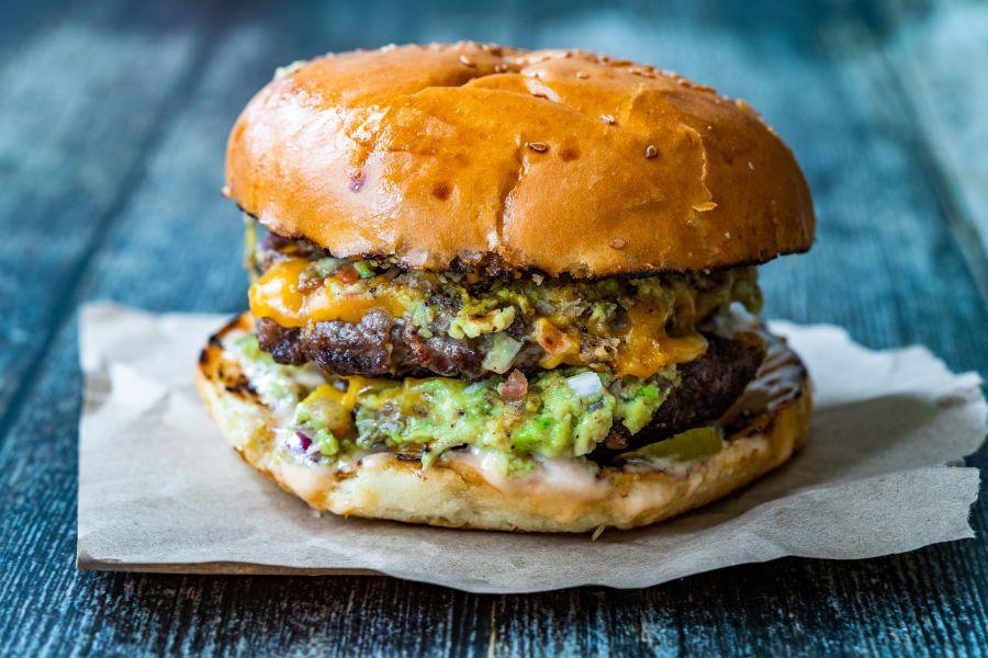 Guacamole-Cheeseburger