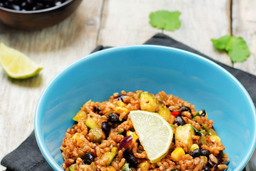 Bohnen mit braunem Reis, Zucchini und Koriander