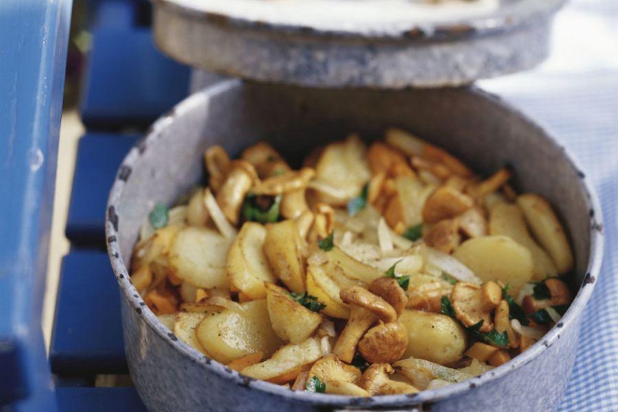 Gebratene Kartoffeln mit Pfifferlingen