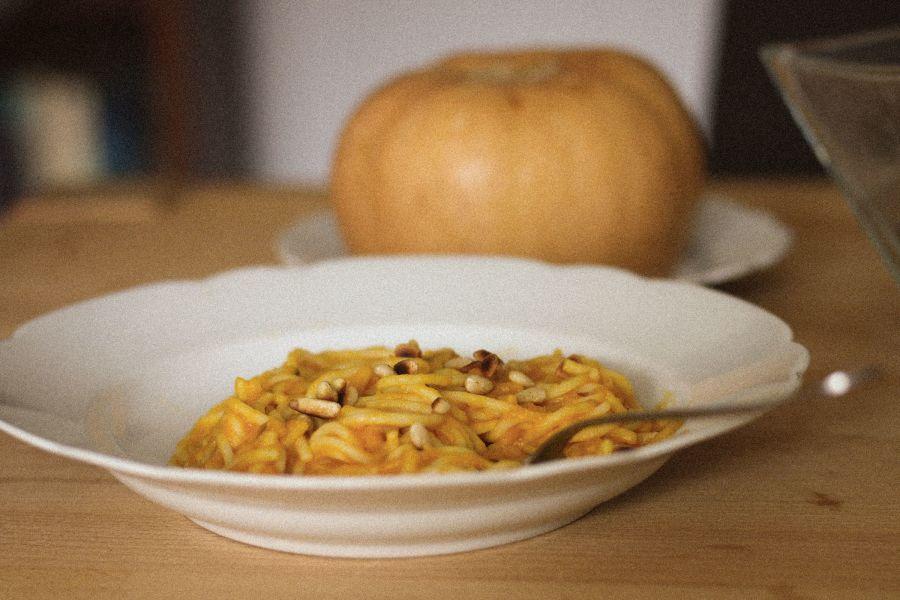 Cremige Butternusskürbis-Pasta