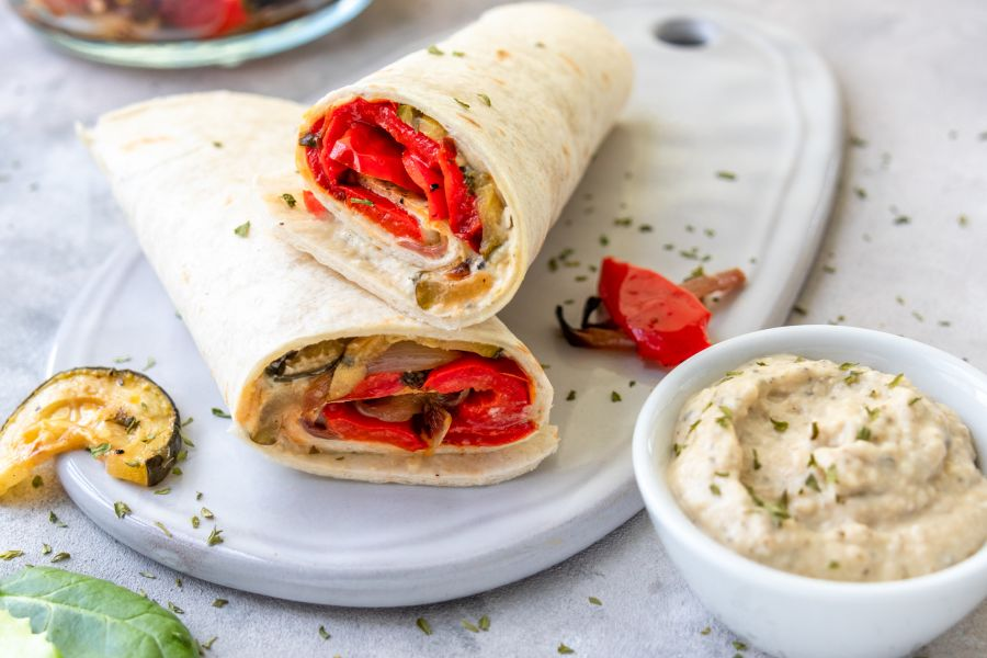 Wraps mit Hummus und Grillgemüse