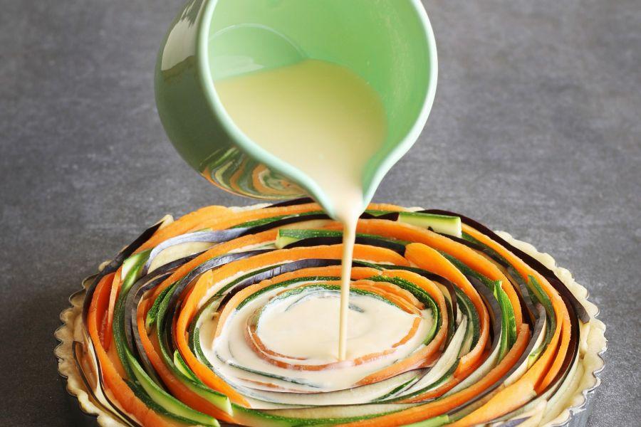 Zucchini-Möhren-Spiraltarte mit Bergkäse