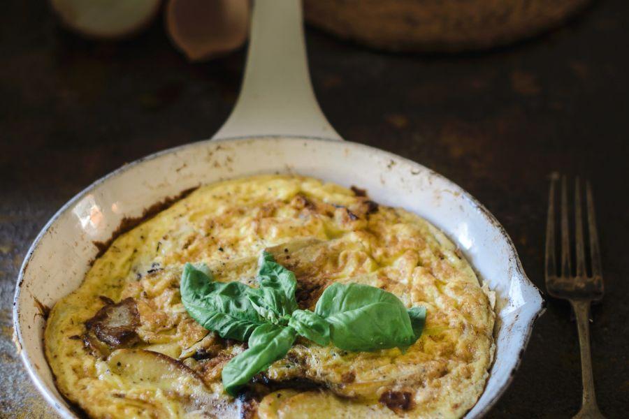 Spanisches Omelette mit Ziegenkäse