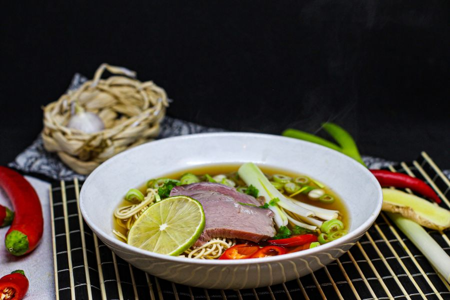 Pho-Suppe aus Vietnam