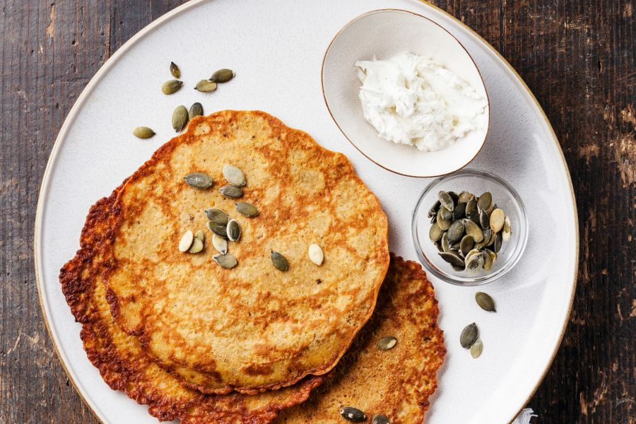 Kürbis-Pancakes mit Kürbiskernen