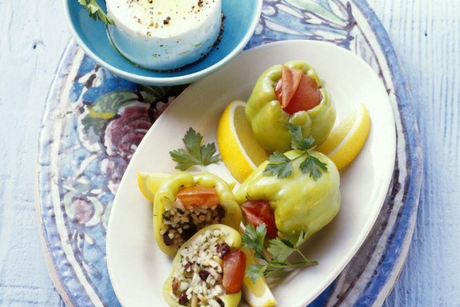 Paprika mit Reis-Rosinen-Füllung