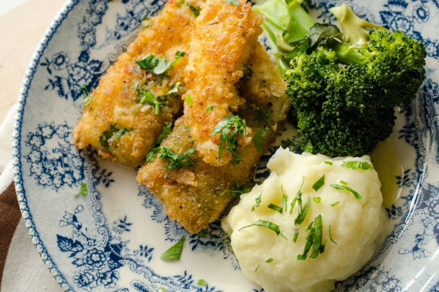 Seelachsfilets mit Brokkoli und Kartoffelpüree
