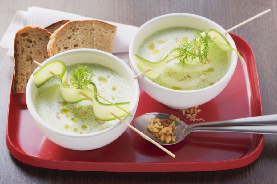 Joghurt-Gurkensuppe