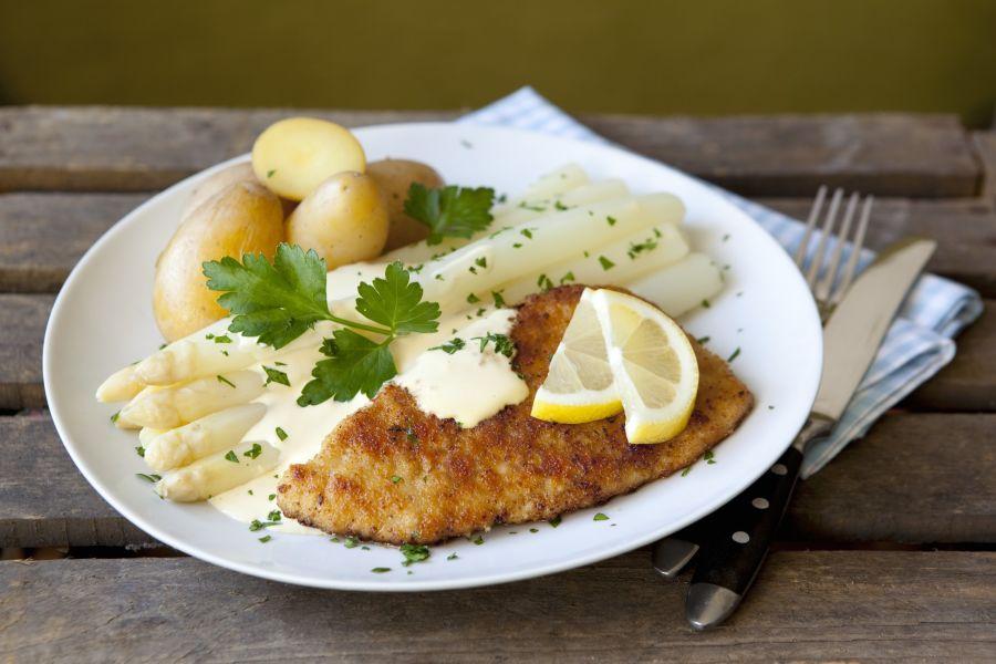 Schnitzel & Spargel mit Sauce Hollandaise