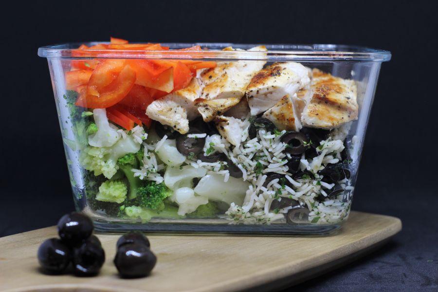 Hähnchen-Gemüse-Reis zum Mitnehmen