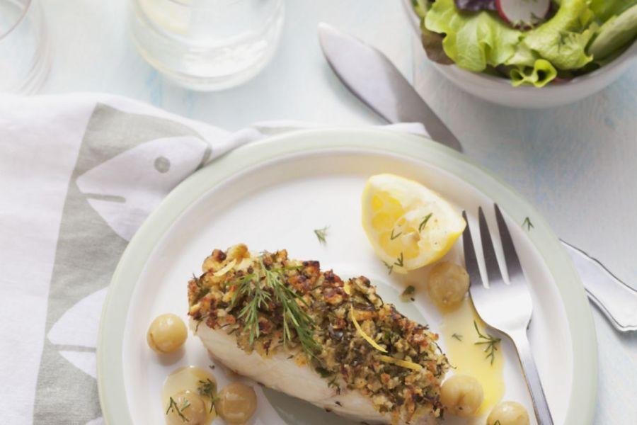 Fischfilets mit Mandel-Dillkruste Zwiebeln