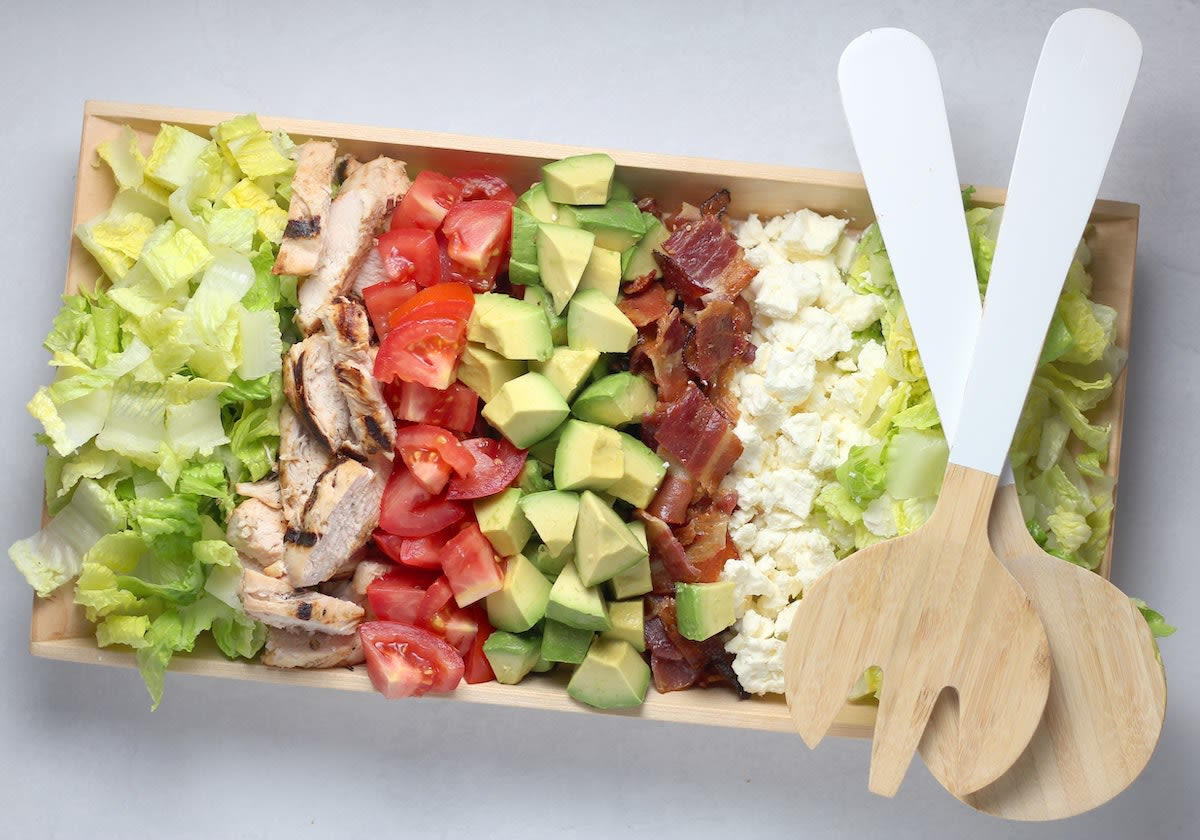 Salat, Hähnchenbrust, Tomate, Avocado, Bacon, Schinken, Feta, Käse Rezepte, Tipps gesundes Essen