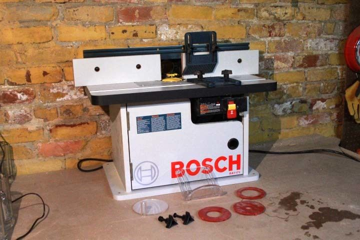 Bosch RA1171 Cabinet Style Router Table Unboxing