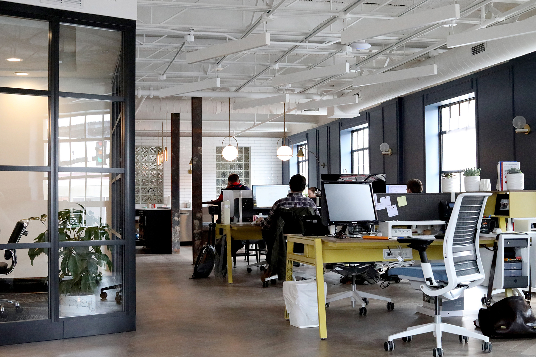 The future of workplaces is centred on the people that make up those spaces, therefore, their wellbeing cannot be overemphasized while designing. Photo by Venveo on Unsplash