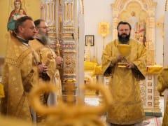 Архипастырь возглавил Литургию в Свято-Георгиевском соборе г. Ярцево