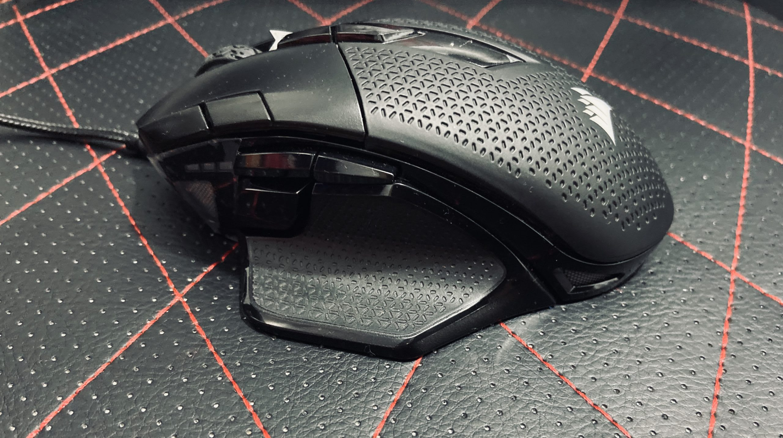 Corsair NightSword RGB Gaming Mouse Review 2