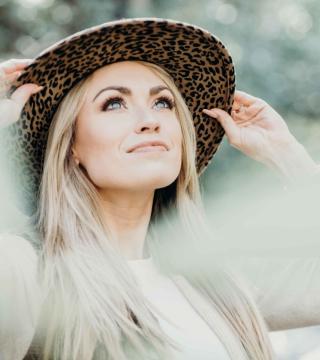 Promotional Image for Lindsey R.
