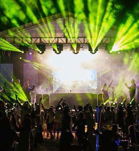 Pro DJ and DJ live performance by Jam Hot