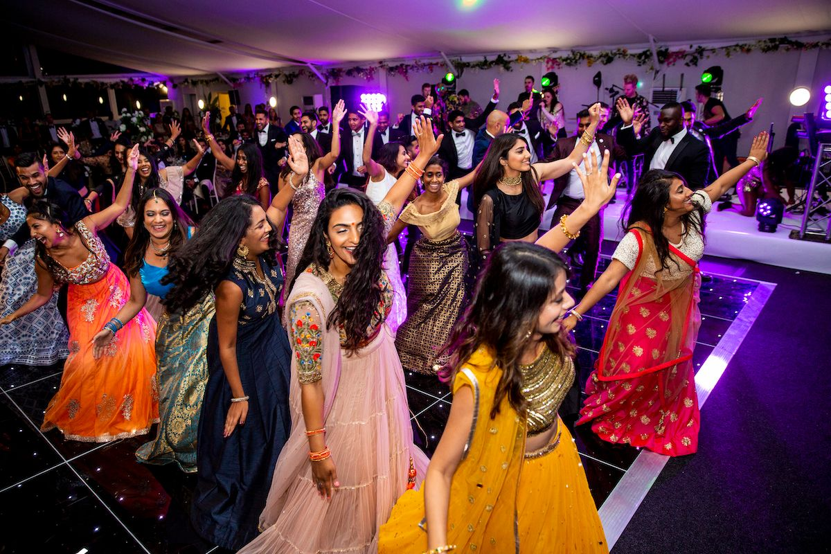 Jam Hot Indian Wedding dance floor routine