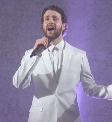 Jam Hot's singer for Chuppah ceremonies