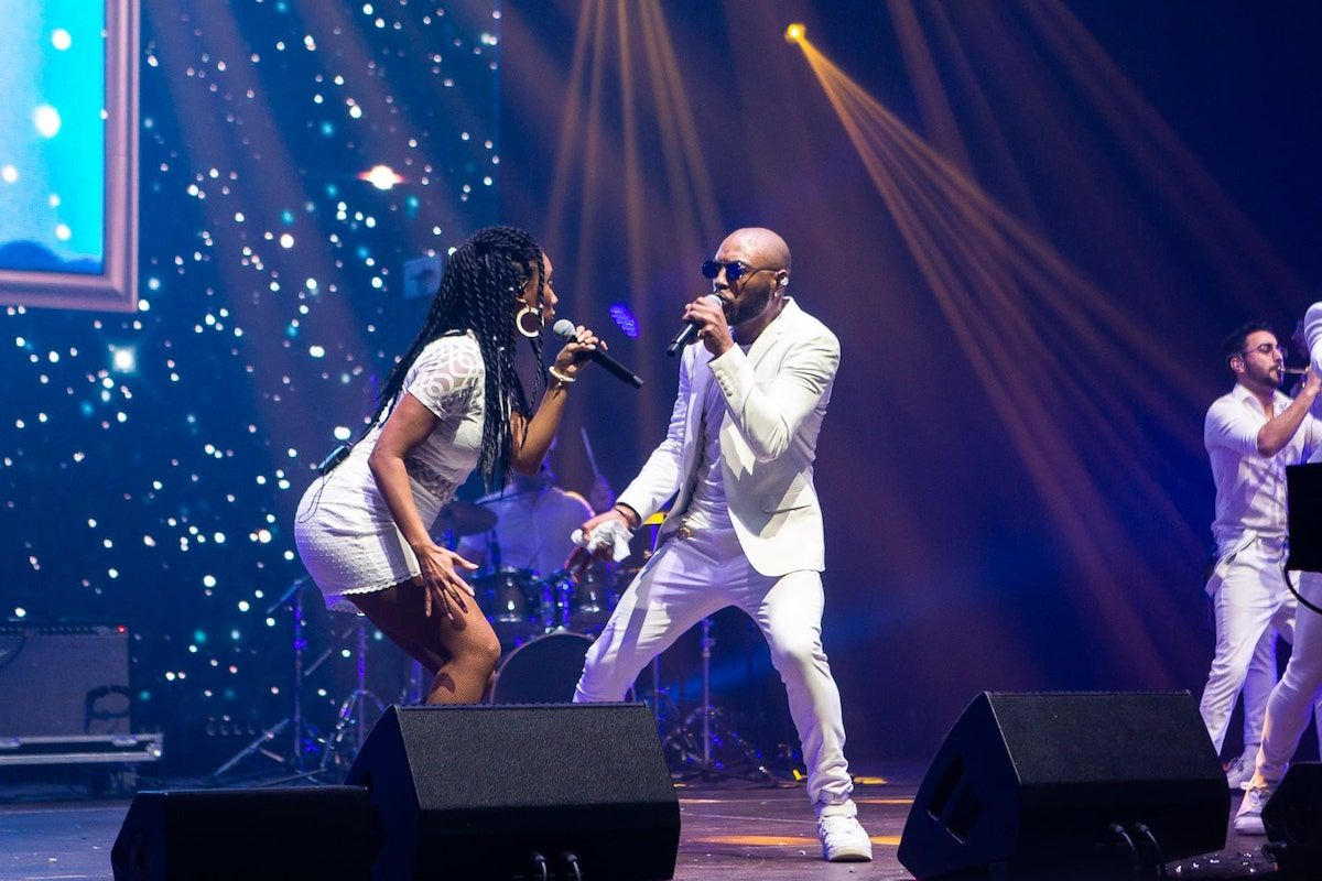 Jam Hot singers interact on stage