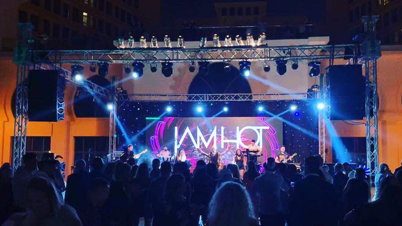 Jam Hot Performing Live Video Still