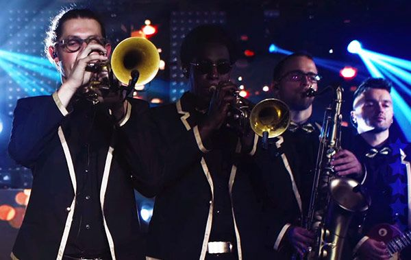 hire wedding bands hertfordshire with stunning horn sections