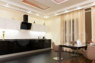 2-к квартира, 140 м², 4/4 эт.