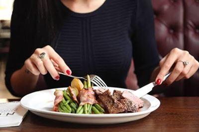 Daftar Makanan yang Harus Dihindari Penderita Asam Urat