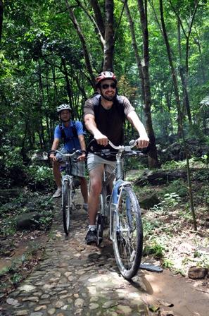 cycling in Hainan