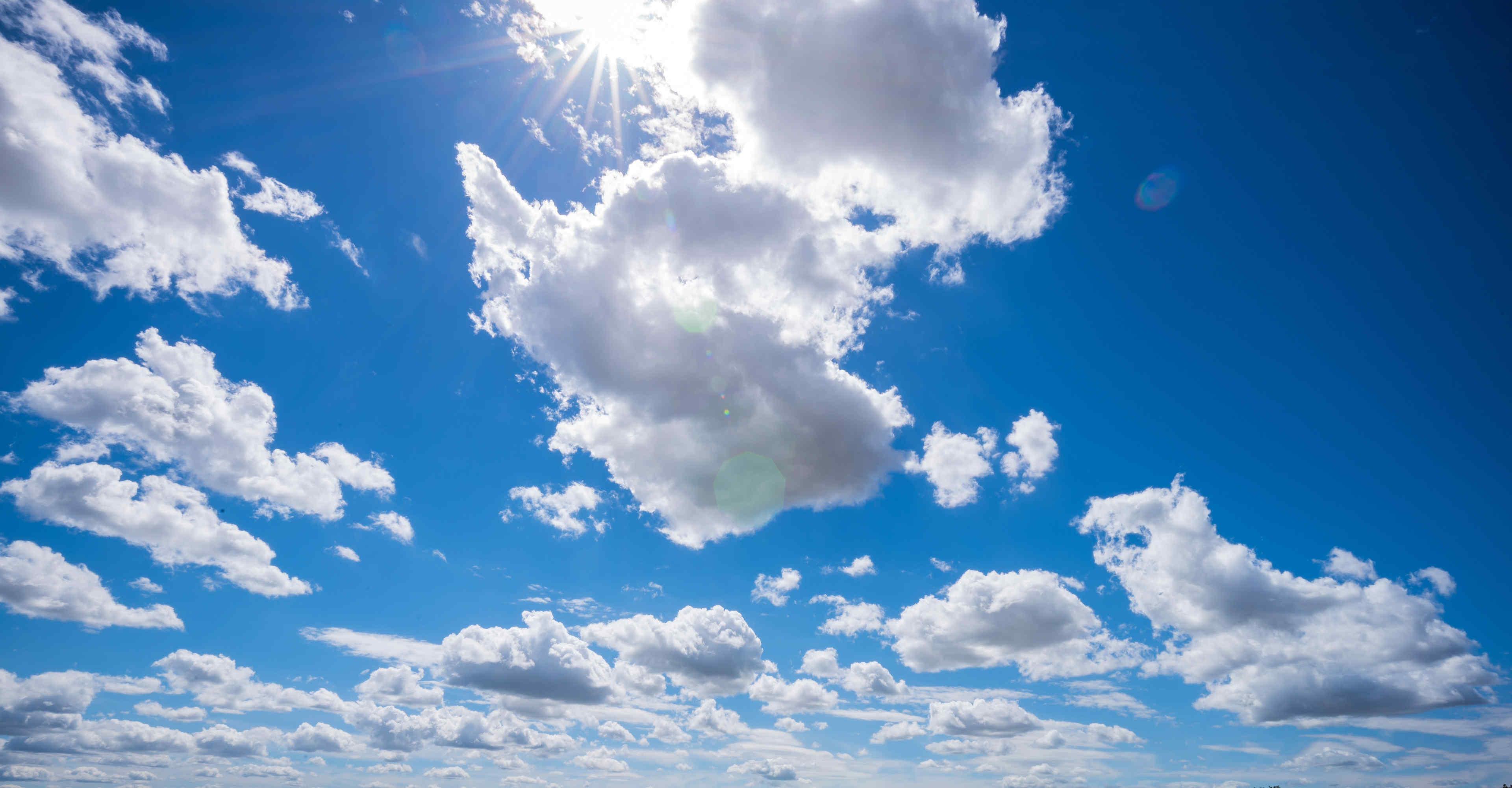 Natur Himmel mit Wolken
