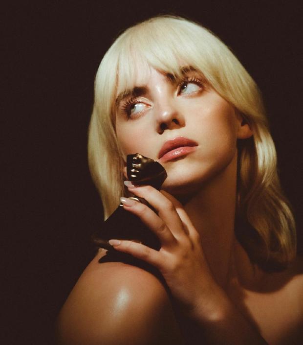 Билли Айлиш анонсировала дебютный парфюм: когда духи певицы поступят в продажу