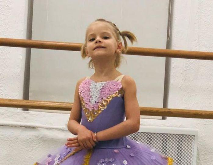 «Бабушка вышла на минуту»: шестилетняя дочь Тимати и Шишковой повредила ногу