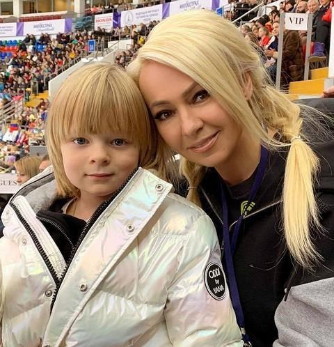У сына Яны Рудковской и Евгения Плющенко подозревают психическое расстройство
