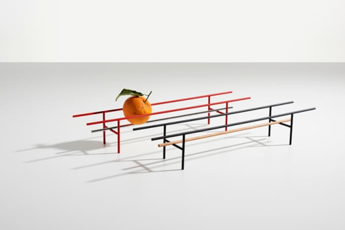 Fruit bowl no.5.5, a very minimalist container by Danese Milano, all based on a delicate balance.