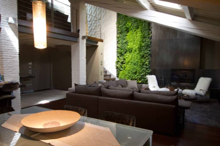 Full-height garden wall design in a modern apartment.