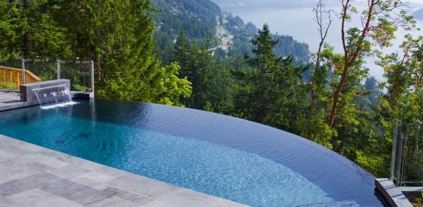 Infinity pool, great option to create a sense of risk in a biophilic design.