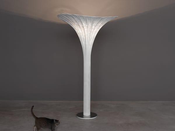 Floor lamp looking like a blooming flower bulb.