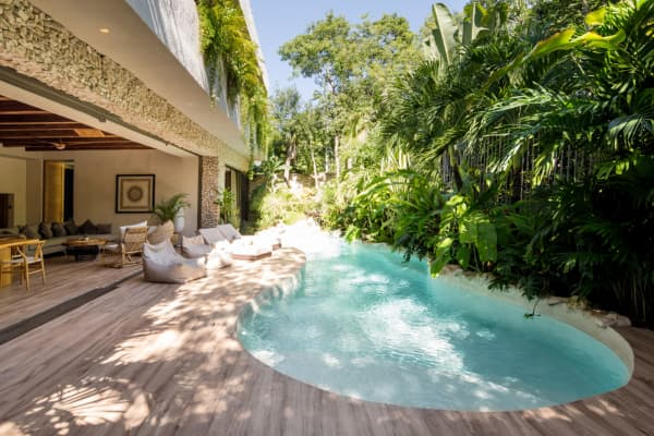 The pool area of Villa Verde.