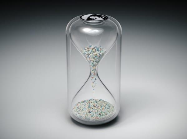 Hourglass close-up.