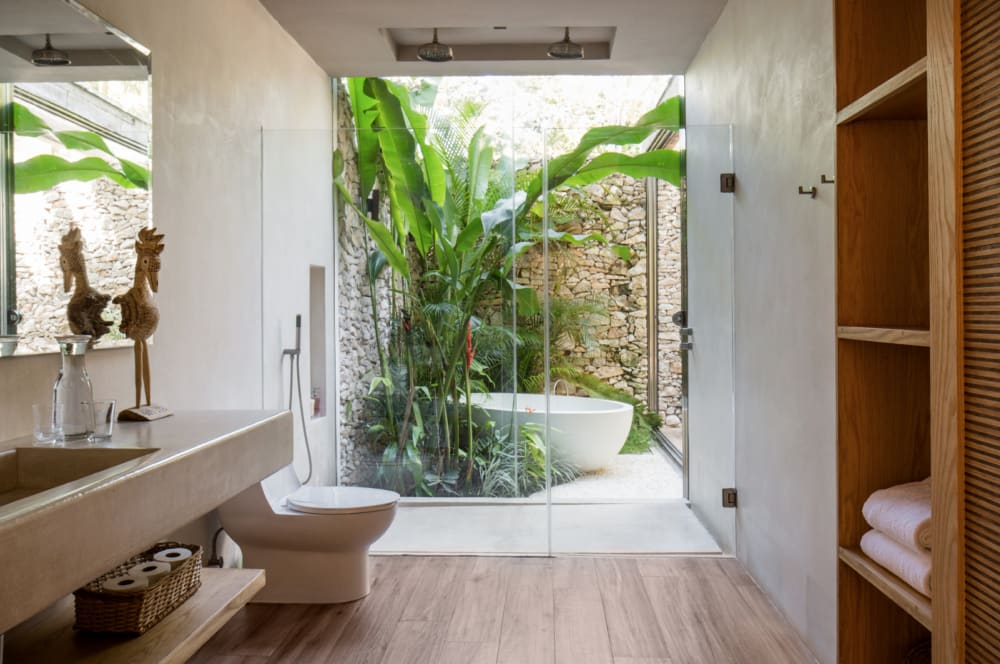 """The ensuite bathroom.<span class=""""sr-only""""> (opened in a new window/tab)</span>"""
