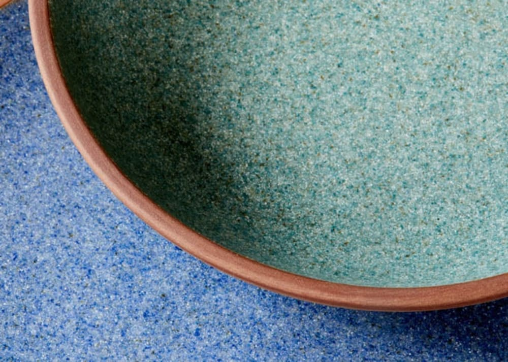 """Close-up shot of the flecked colour of the plates.<span class=""""sr-only""""> (opened in a new window/tab)</span>"""