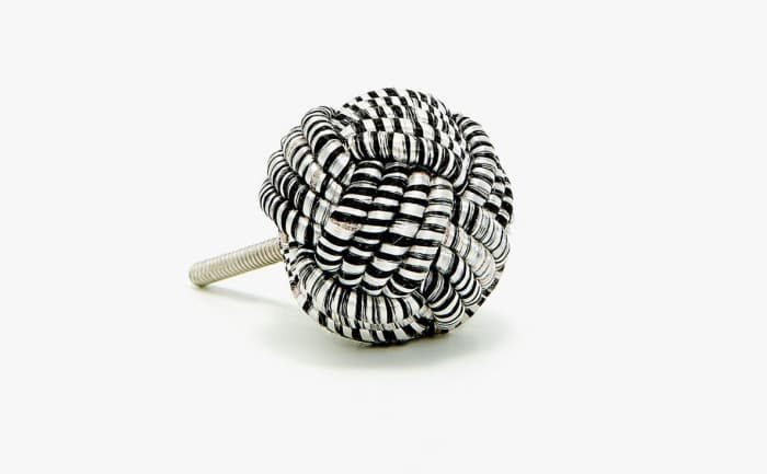 Knotted door knob, by Zara Home.
