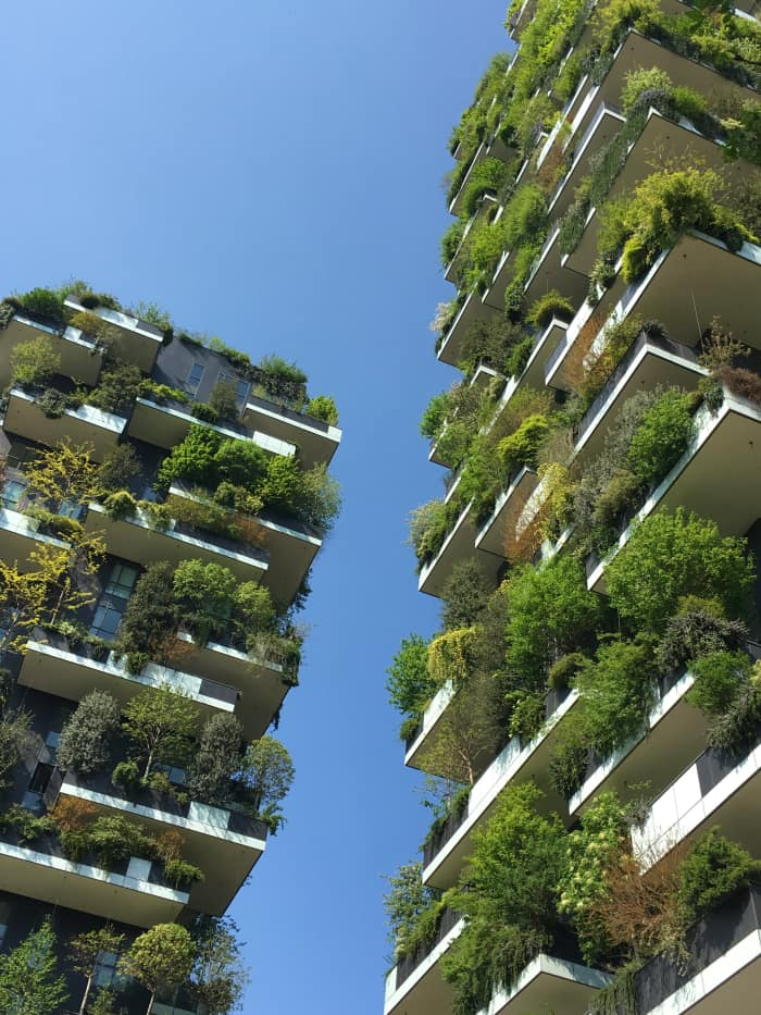 Vertical garden in Milan, an example of biophilic design by Stefano Boeri Architetti.