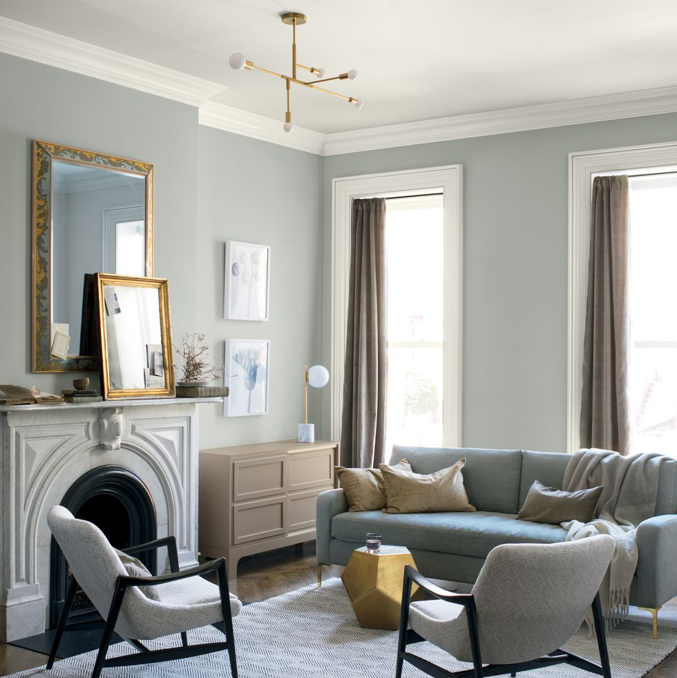 Metropolitan, colour of the year 2019 for Benjamin Moore.