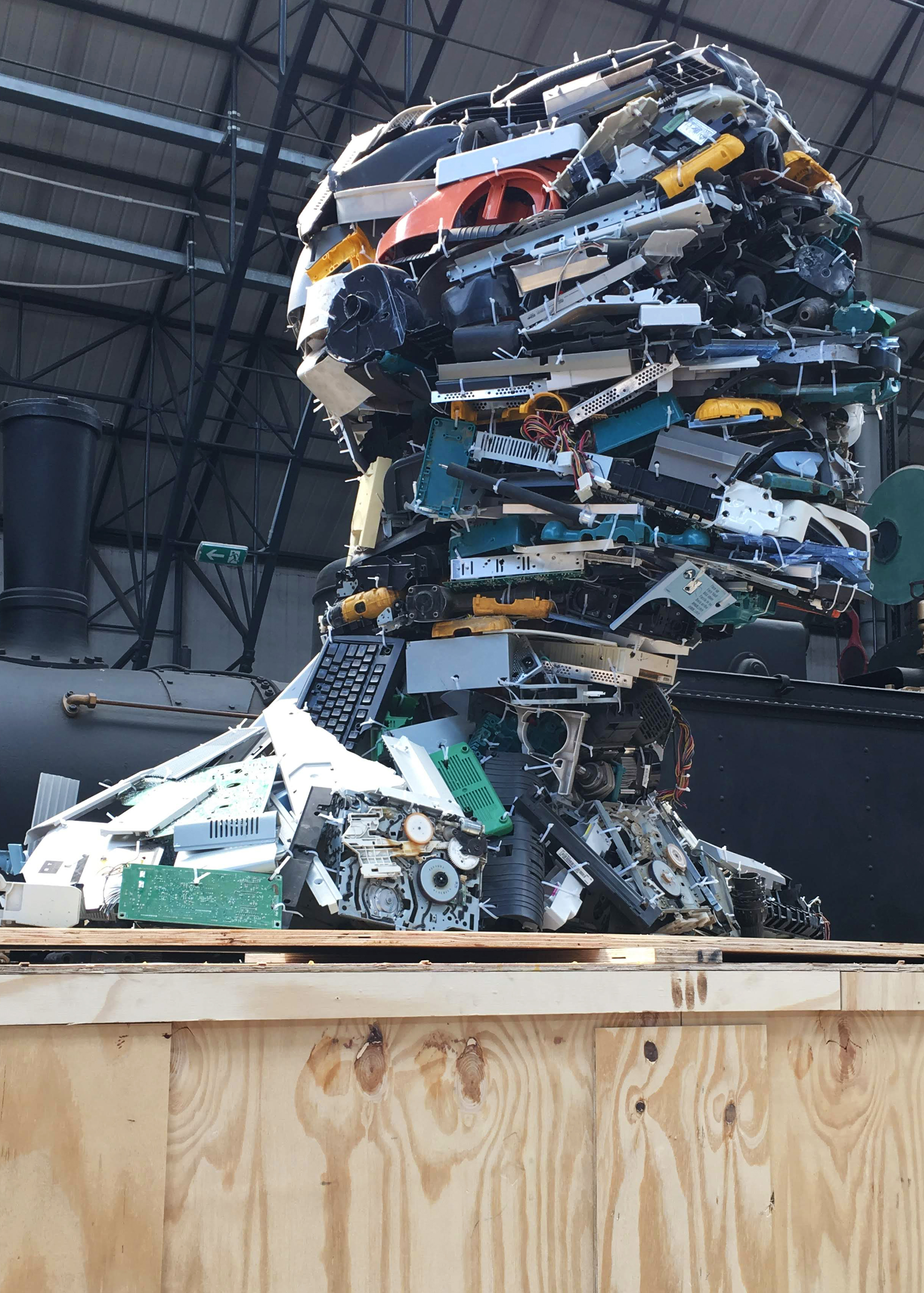 The Electronic man, a human bust made assembling electronic waste.