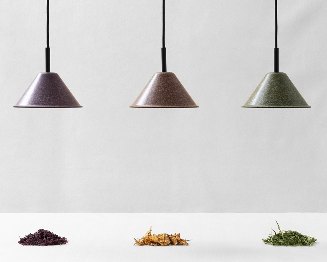 Lamps made with biomaterials coming from the cultivation of hemp, tobacco and wine.