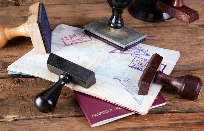 Если паспорт на регистрации какой документ его заменяет