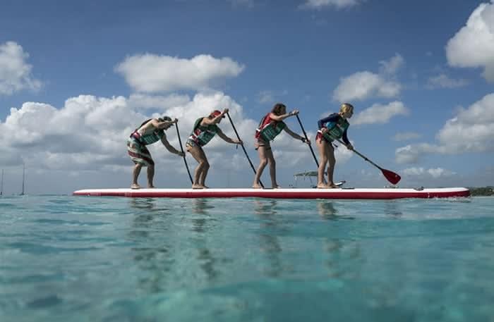 blog-family-paddleboarding-dwc